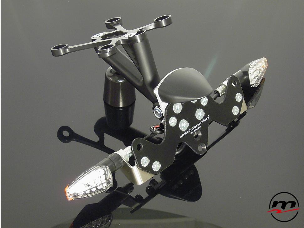 Portatarga Melotti Racing per YAMAHA FZ1, FZ1 FAZER, FZ8 con luce targa e frecce