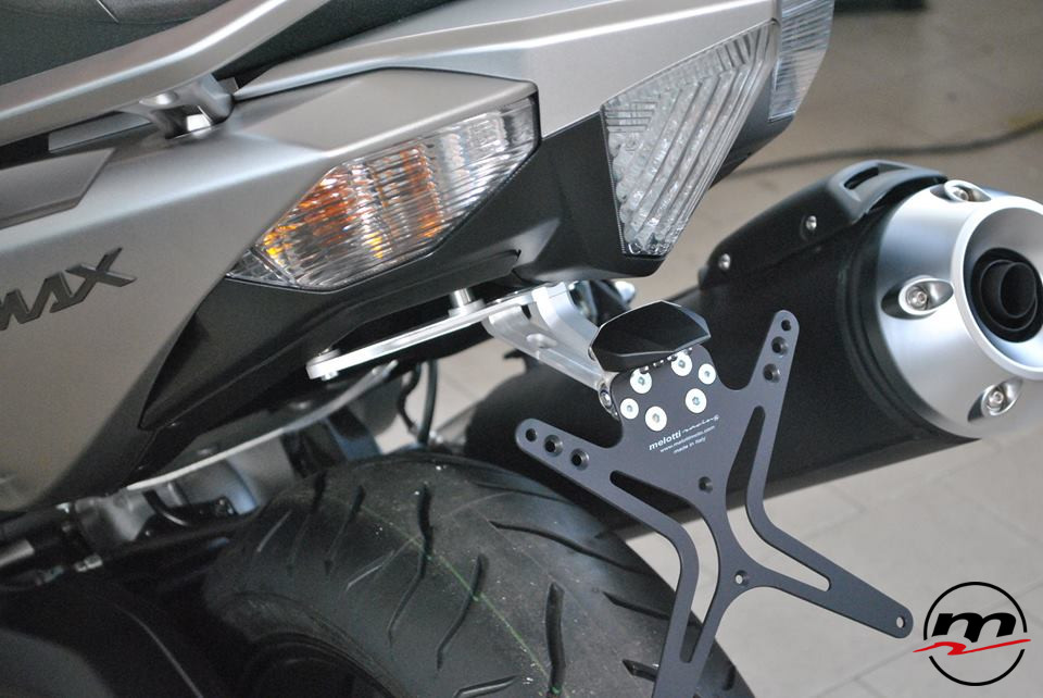 Portatarga Melotti Racing per YAMAHA T-MAX 530